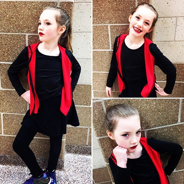 Serious. Seriously excited for Winter Showcase part 1 - Hip Hop. #intriguedancechicago @intriguedancechicago #citygirlcoralie  #strikeapose #dance #hiphop #tinydancer #wintershowcase #recital