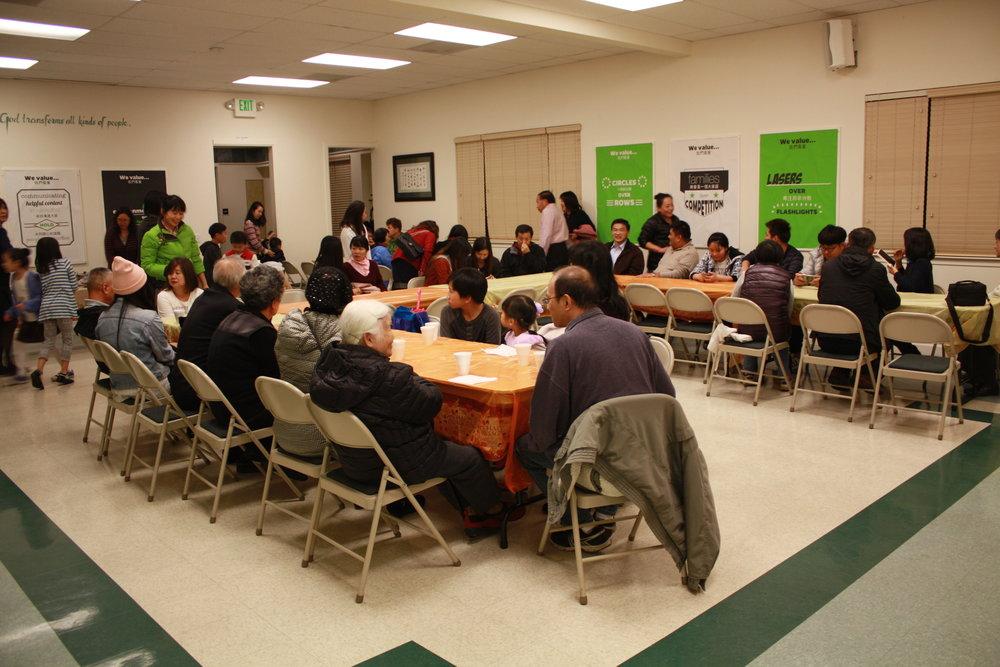 今晚有超過60人參加這聚會。