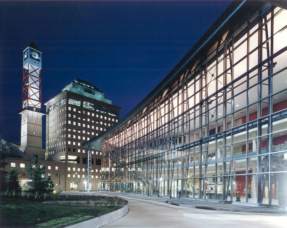 The living arts centre zeidler partnership architects for Architecture firms mississauga