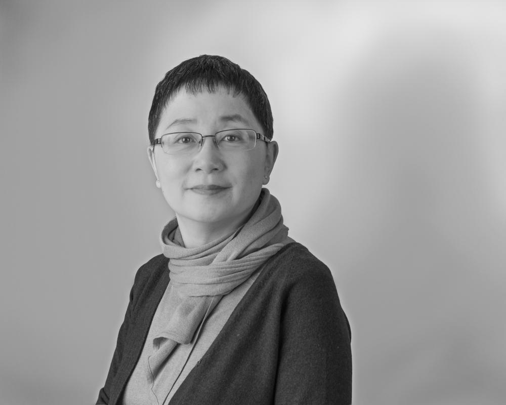 Lena Chow, Associate