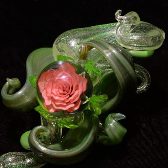 """""""The nestled Rose"""""""