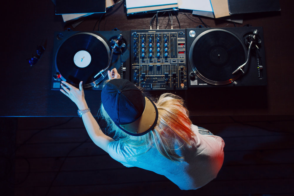 sessions: vinyl + learn to dj