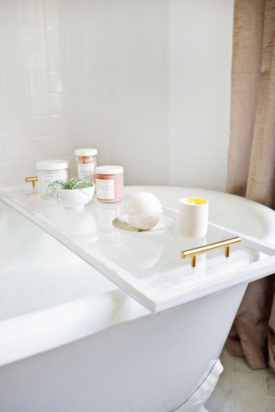 Bath with Caddy.jpg