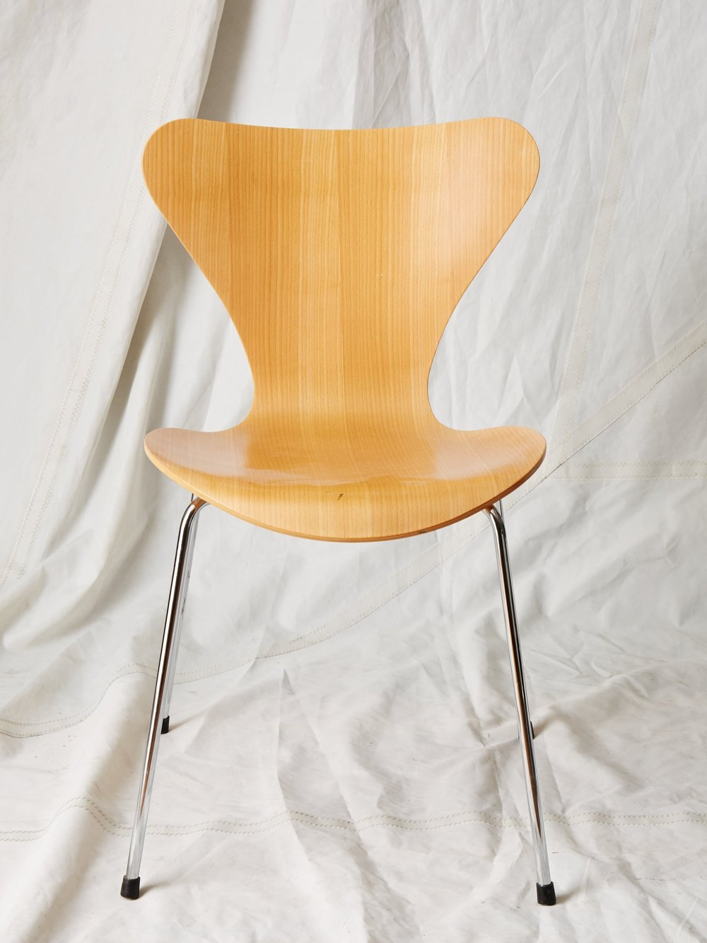 "CH001  Fritz Hansen Series 7 chair 31"" H x 18"" W x 18"" D  $75/week"