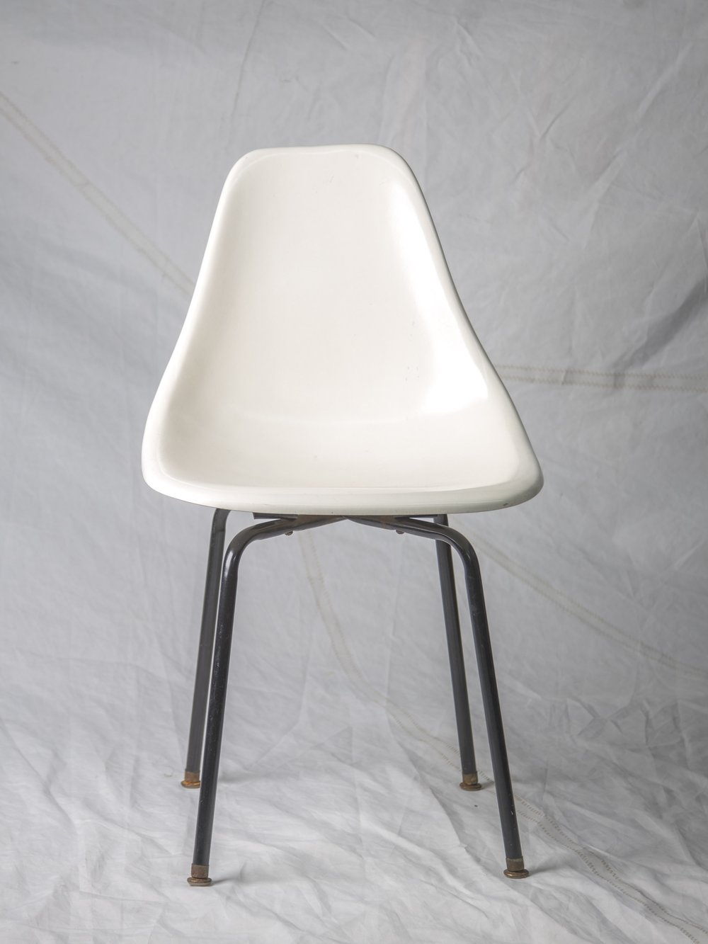 CH055  Vintage Fiberglass Shell Chair   $75/week