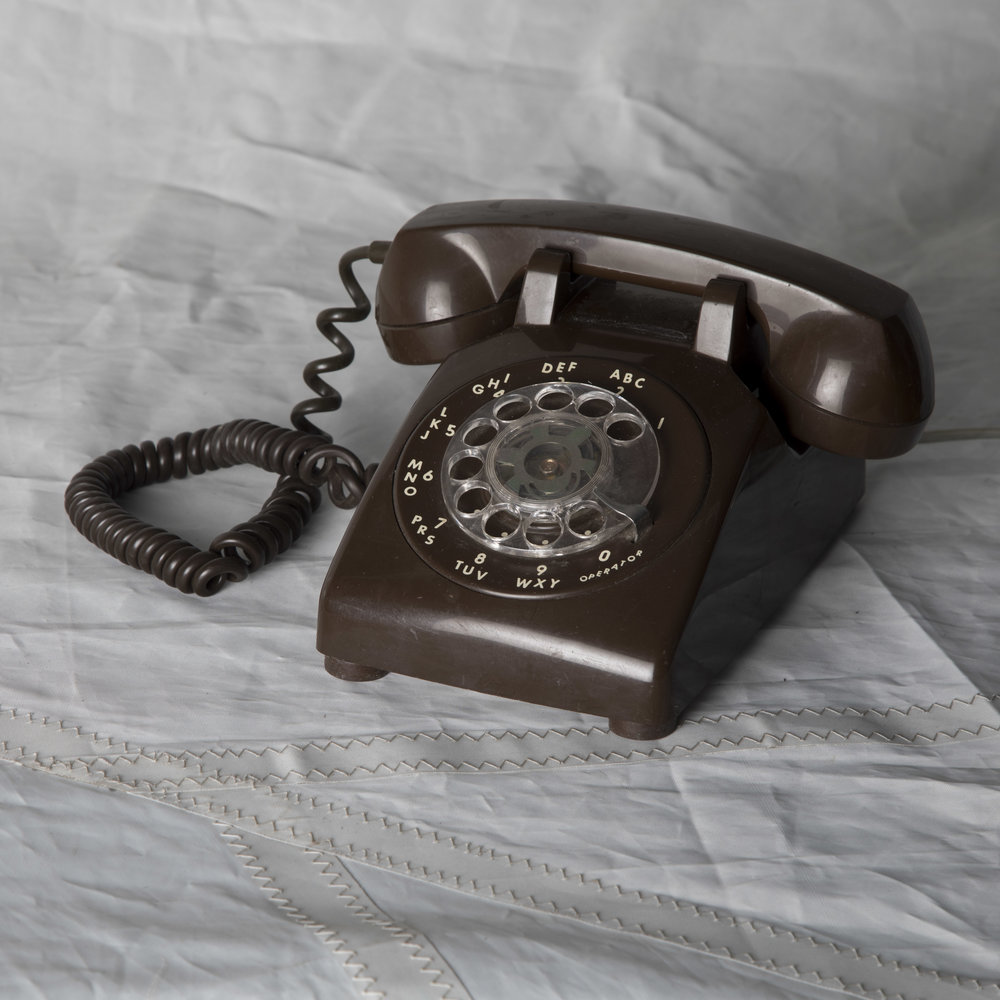 BROWN ROTARY PHONE