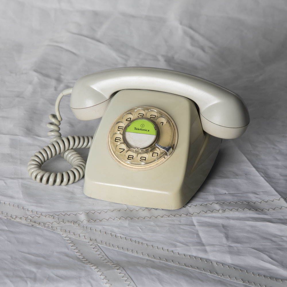 IVORY ROTARY PHONE