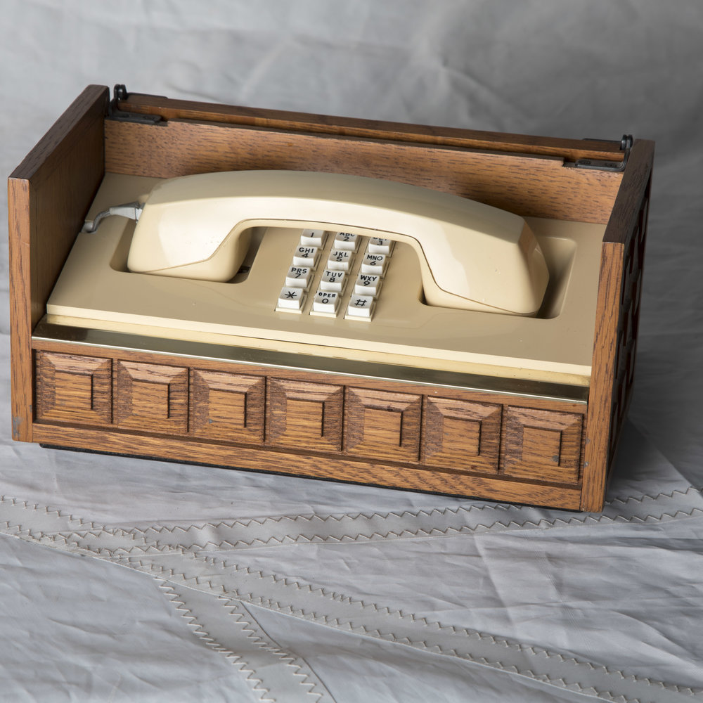 CREAM PHONE W/ WOOD COVER