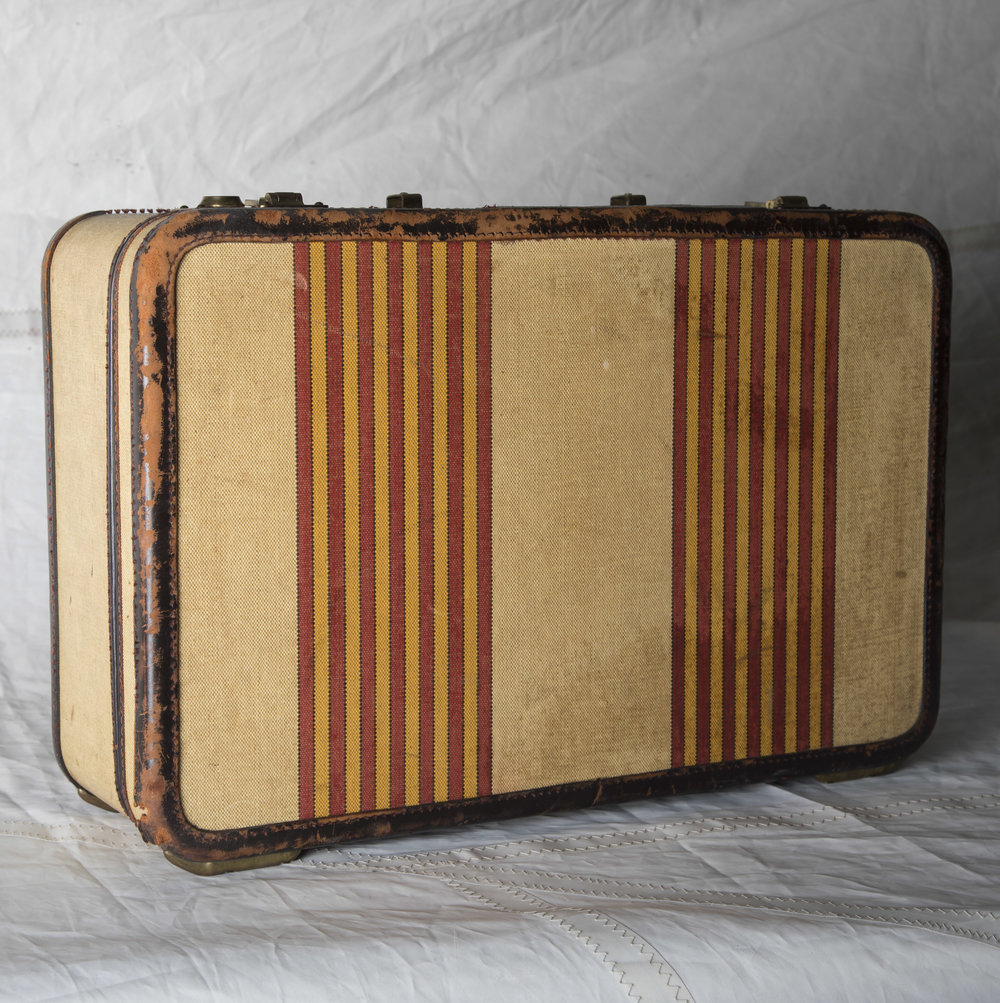 "LUGGAGE 04 VINTAGE CREAM W/ STRIPE SUITCASE, NO HANDLE 21"" L x 14"" W x 7"" D"