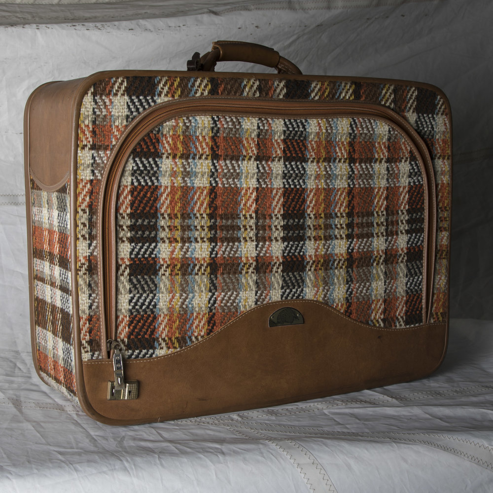 "LUGGAGE 08 1970's WOVEN PLAID SOFT TOP SUITCASE 24"" L x 18"" W x 8"" D"