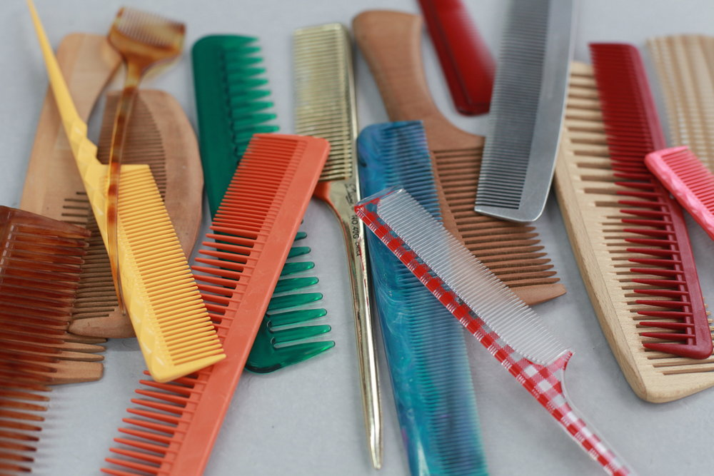 OVER 50 DIFFERENT TYPES OF BRUSHES AND COMBS!