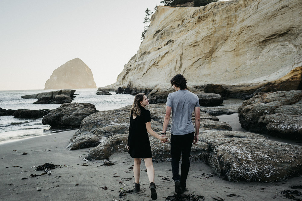 Oregon Couples Videographer Photographer.jpg