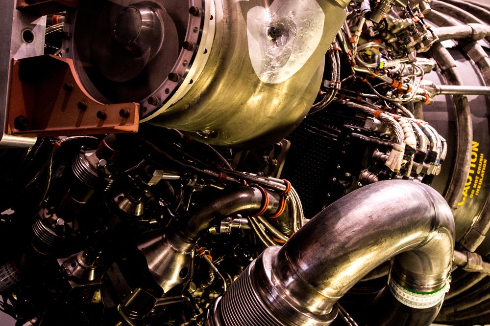An RS - 25 Space Shuttle Main Engine (SSME)