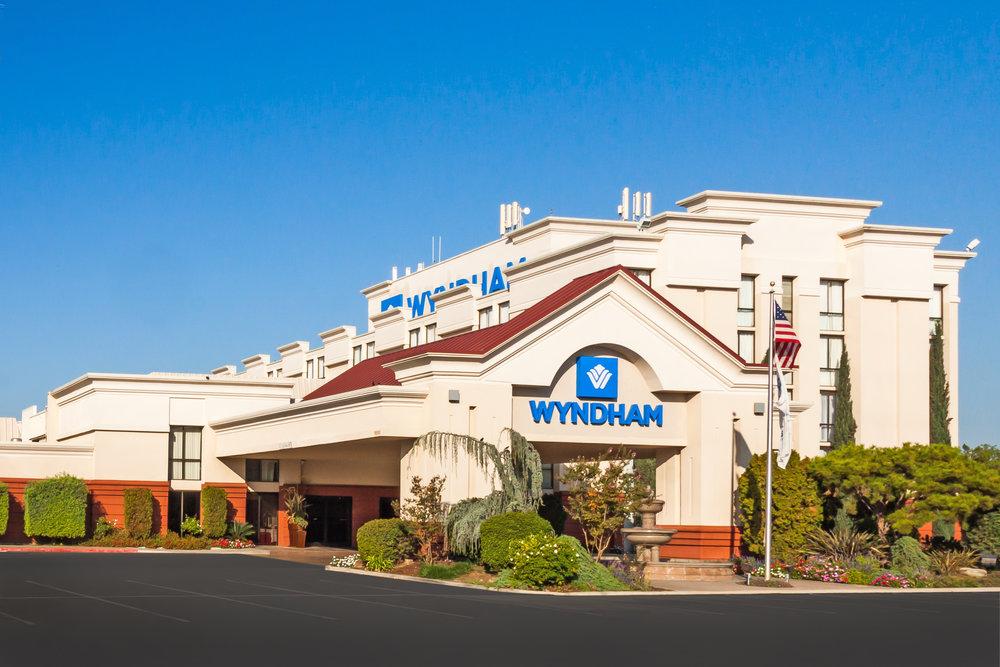 Wyndham Visalia Hotel picture.jpg