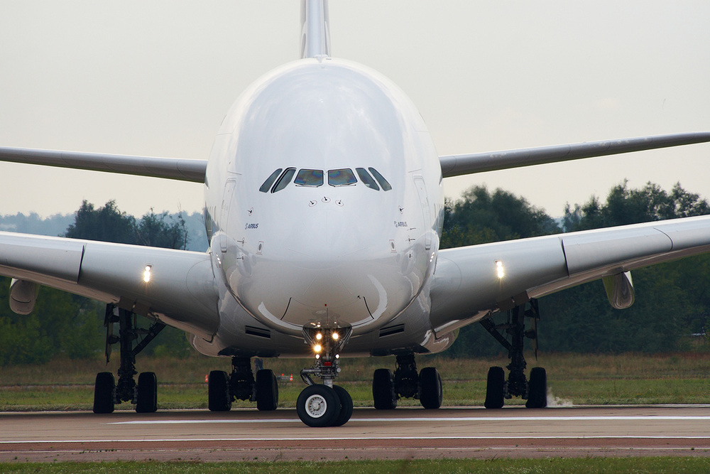 Airbus_A380_on_MAKS_2011.jpg