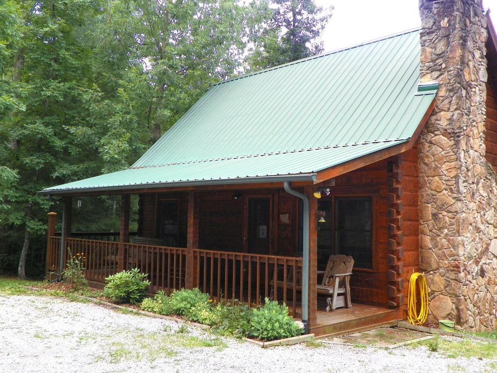 Laurel Cove cabin front