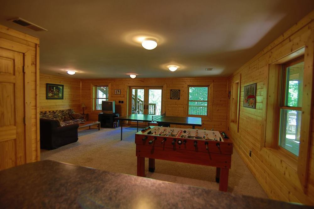 Hemlock Bluff basement game tables