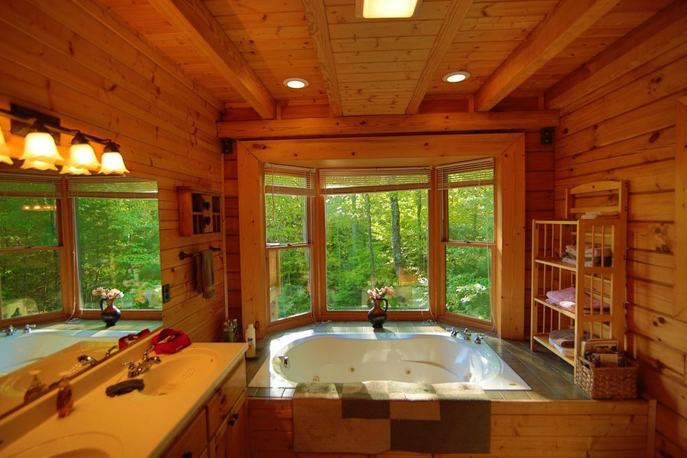 Hemlock Bluff master bath main floor