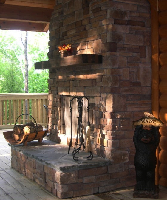 Hemlock Bluff outdoor fireplace