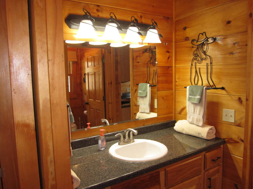 Clean bathroom at Arabian Nights Cabin