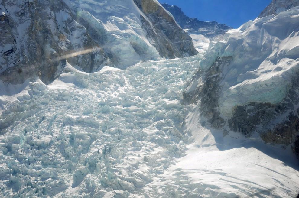 wrk nepal 2015 khumu icefall from helo.jpg