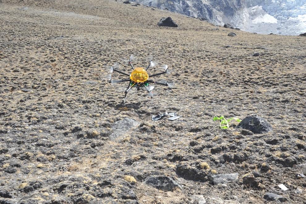 mck nepal 2016 kala patthar guardian takeoff.jpg