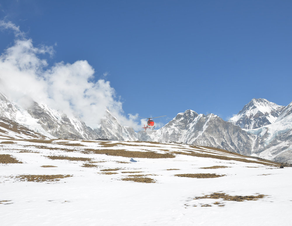 wrk nepal 2015 kala patthar incoming helo for pickup 2015-03-26_01-22-34 (2).jpg