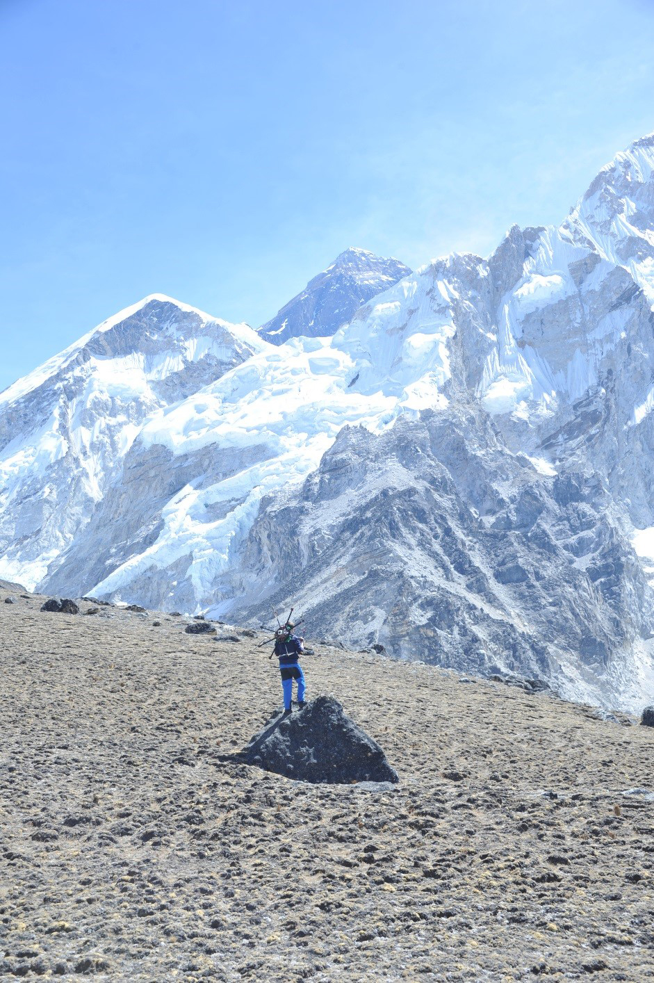 mck nepal 2016 kala patthar everest standing with drone on back best.jpg