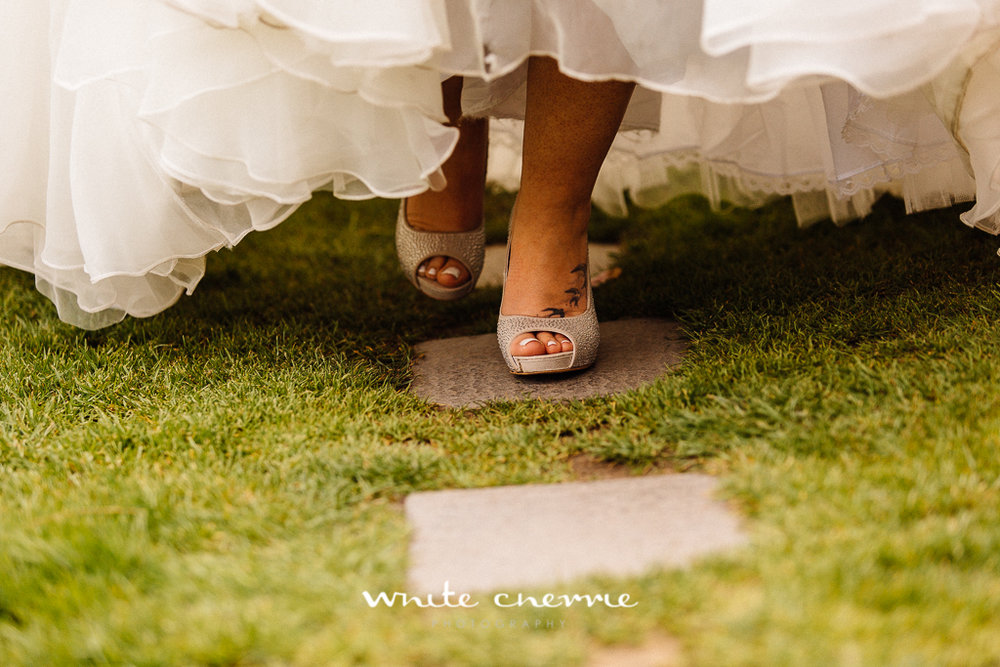 White Cherrie, Edinburgh, Natural, Wedding Photographer, Megan & Davy previews-33.jpg