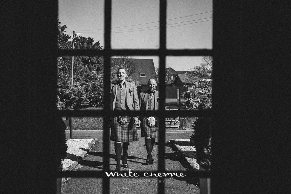 White Cherrie, Edinburgh, Natural, Wedding Photographer, Emma & Steven previews-10.jpg
