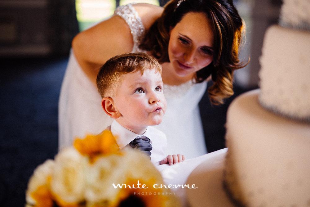 White Cherrie, Edinburgh, Natural, Wedding Photographer, Emma & Steven previews-27.jpg