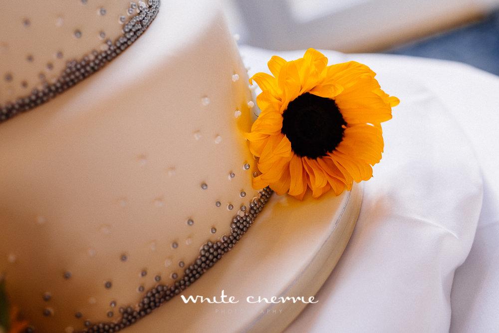White Cherrie, Edinburgh, Natural, Wedding Photographer, Emma & Steven previews-28.jpg