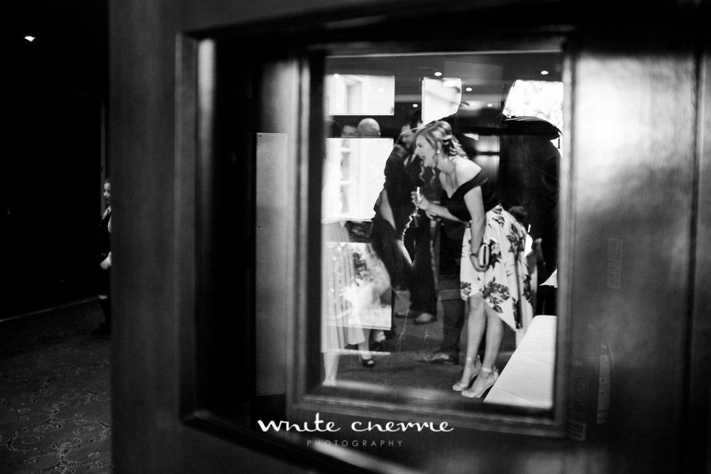 White Cherrie, Edinburgh, Natural, Wedding Photographer, Emma & Steven previews-30.jpg