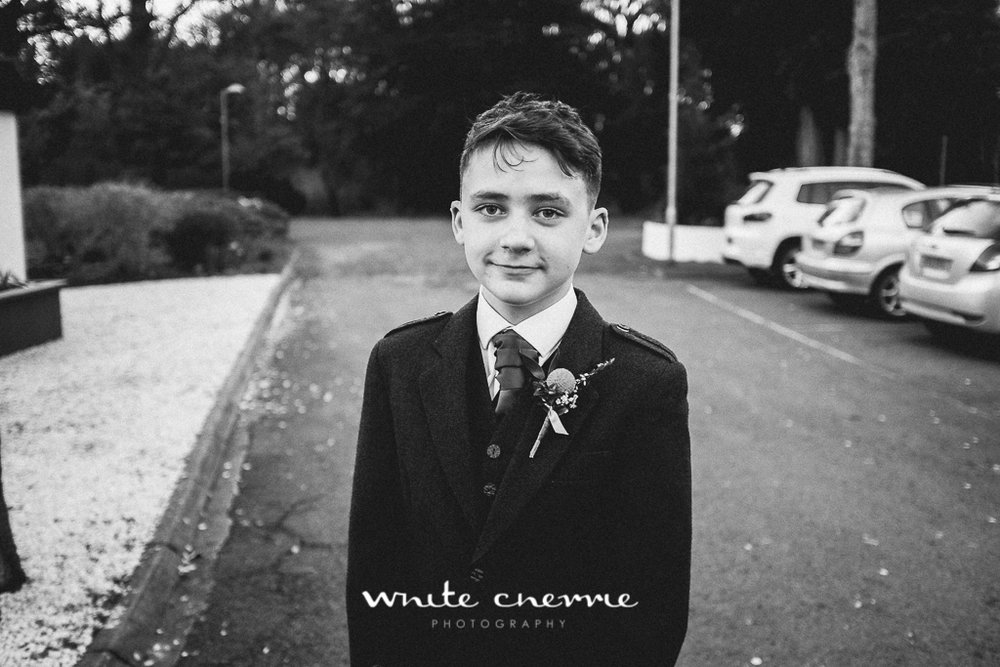 White Cherrie, Edinburgh, Natural, Wedding Photographer, Emma & Steven previews-34.jpg
