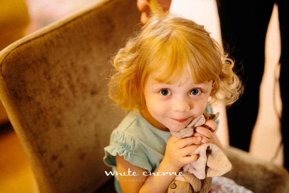 White Cherrie, Edinburgh, Natural, Wedding Photographer, Lara & James previews-9.jpg