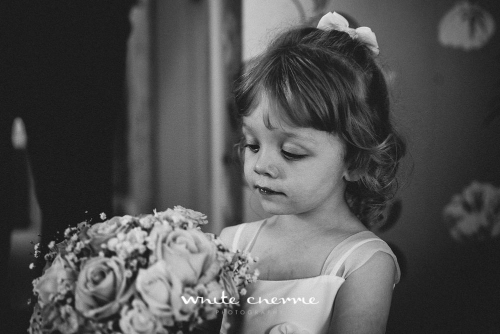 White Cherrie, Edinburgh, Natural, Wedding Photographer, Lara & James previews-30.jpg