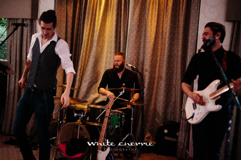 White Cherrie, Edinburgh, Natural, Wedding Photographer, Lara & James previews-72.jpg