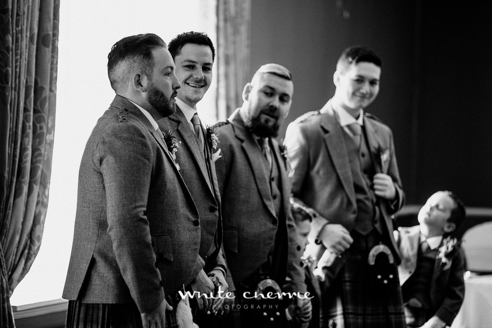 White Cherrie, Edinburgh, Natural, Wedding Photographer, Rhianne & Damien previews-14.jpg