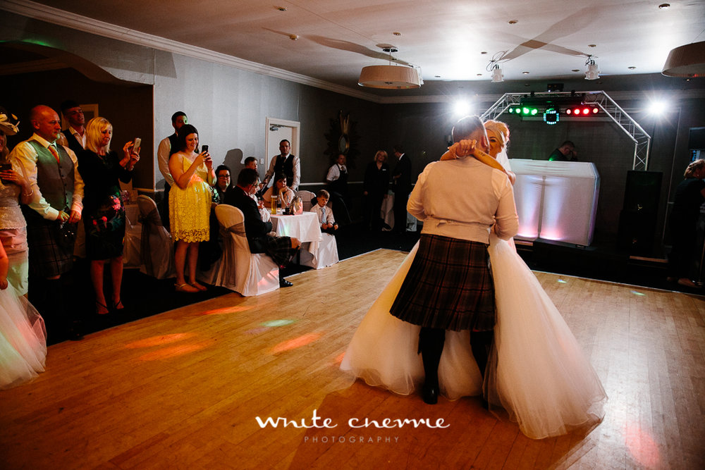 White Cherrie, Edinburgh, Natural, Wedding Photographer, Rhianne & Damien previews-24.jpg