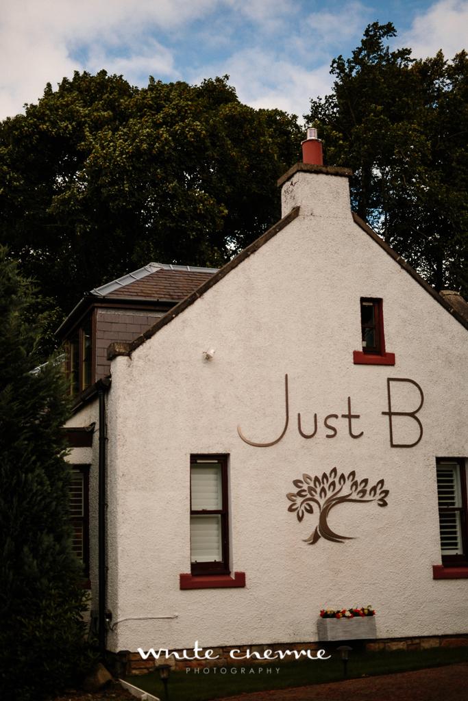 White Cherrie, Edinburgh, Natural, Wedding Photographer, Linsay & Craig previews-5.jpg