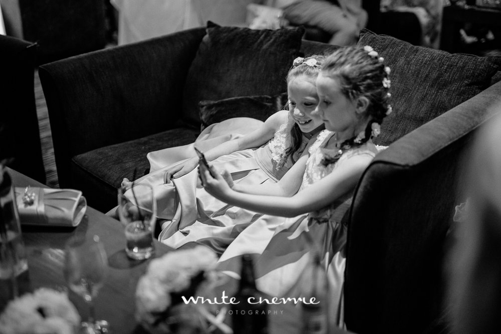 White Cherrie, Edinburgh, Natural, Wedding Photographer, Mandy & Ian previews (24 of 41).jpg