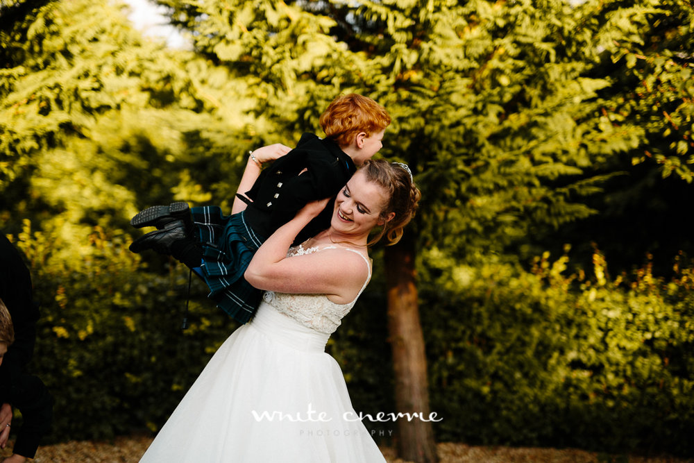 White Cherrie, Edinburgh, Natural, Wedding Photographer, Vicki & Steven previews-40.jpg