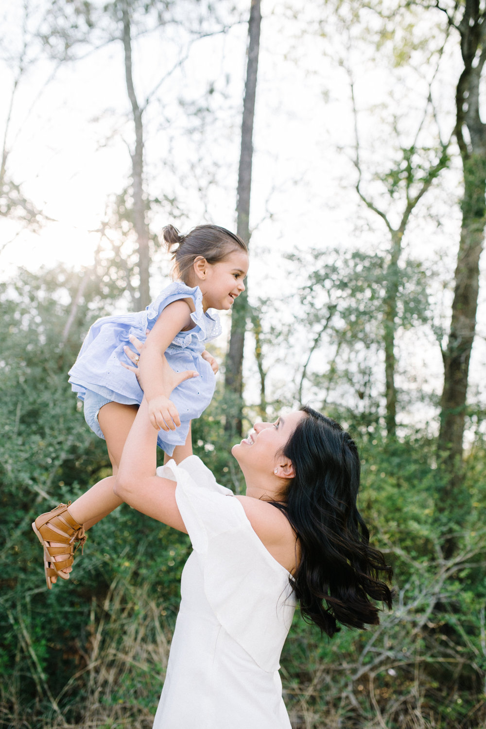 familysession-houstonphotographer-houstonfamilyphotographer-naturallight-familysession-17.jpg