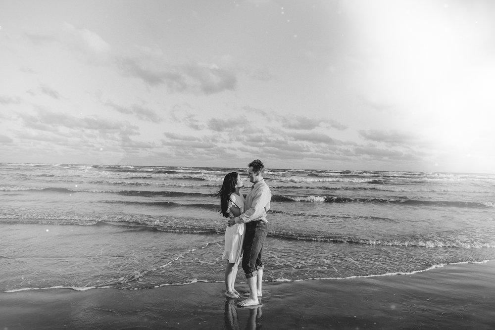 engagementsession-jackieandrobert-winterwedding-christmaswedding-love-wedding-weddings-houstonweddings-houstonengagments-texasweddings-1-2.jpg