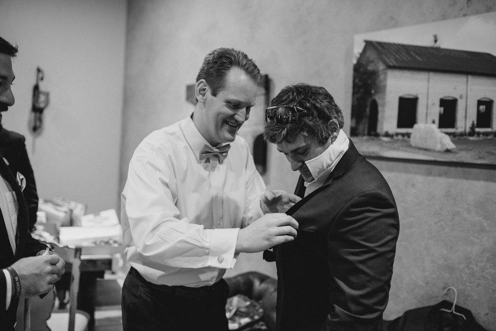 casperwedding-texasweddings-houstonweddings-oldedobbestation-montgomerytx-montgomeryweddings-bride-groom-bridalparty-weddingdress-3.jpg