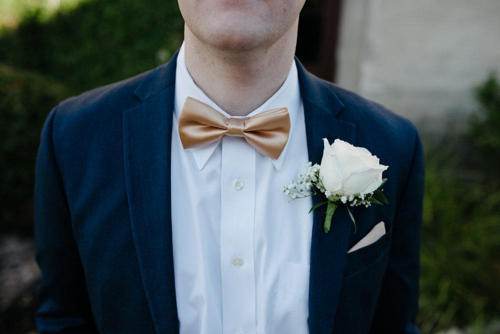 casperwedding-texasweddings-houstonweddings-oldedobbestation-montgomerytx-montgomeryweddings-bride-groom-bridalparty-weddingdress-7.jpg