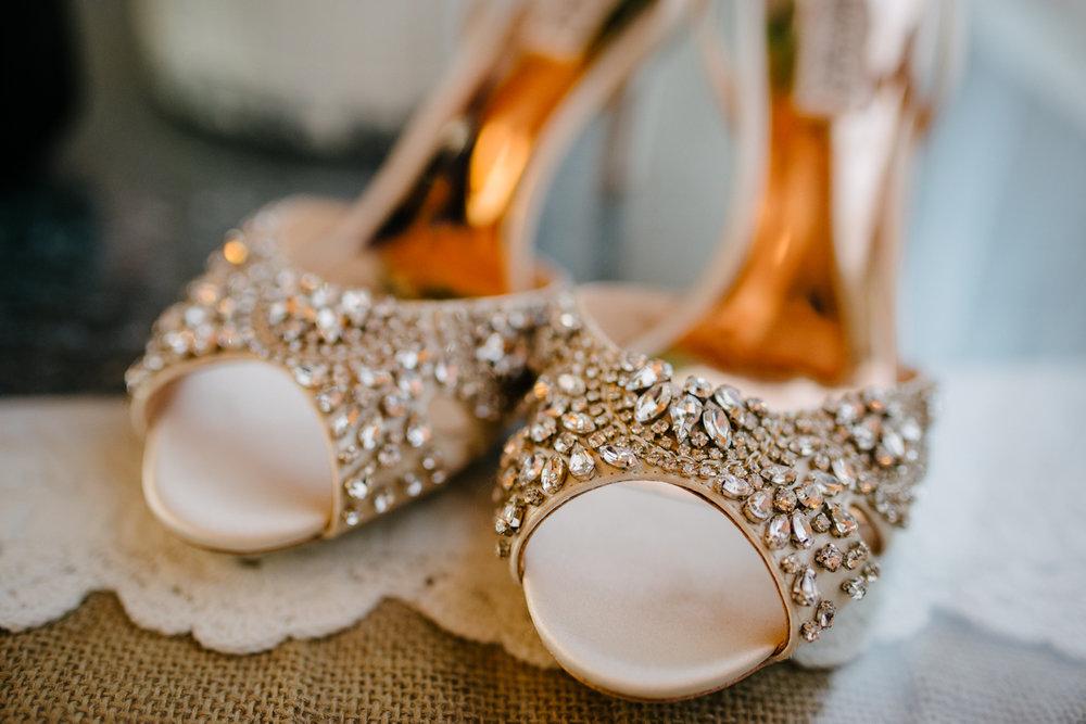 casperwedding-texasweddings-houstonweddings-oldedobbestation-montgomerytx-montgomeryweddings-bride-groom-bridalparty-weddingdress-12.jpg