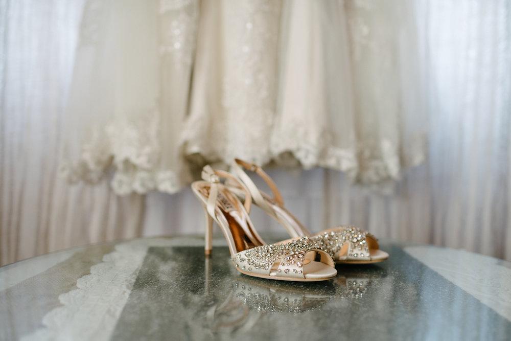 casperwedding-texasweddings-houstonweddings-oldedobbestation-montgomerytx-montgomeryweddings-bride-groom-bridalparty-weddingdress-16.jpg