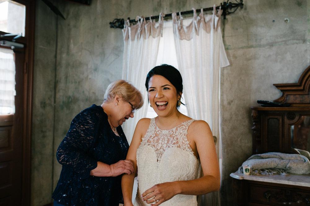 casperwedding-texasweddings-houstonweddings-oldedobbestation-montgomerytx-montgomeryweddings-bride-groom-bridalparty-weddingdress-20.jpg