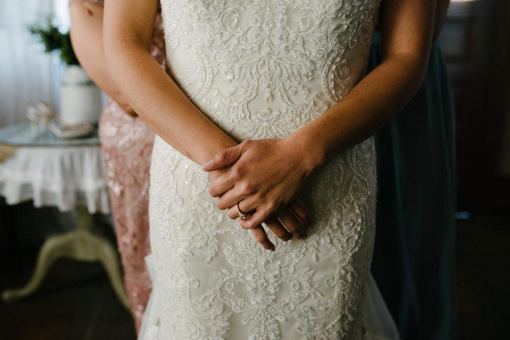 casperwedding-texasweddings-houstonweddings-oldedobbestation-montgomerytx-montgomeryweddings-bride-groom-bridalparty-weddingdress-23.jpg